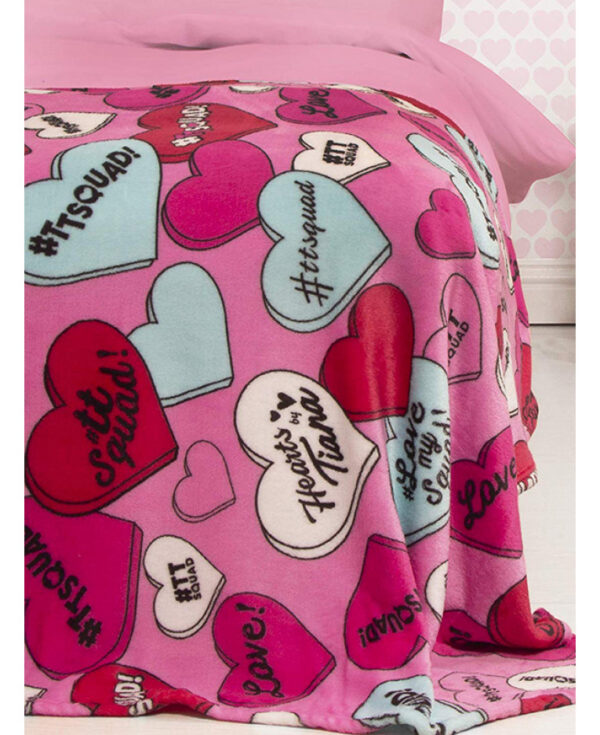 hearts_by_tiana_chic_fleece_blanket